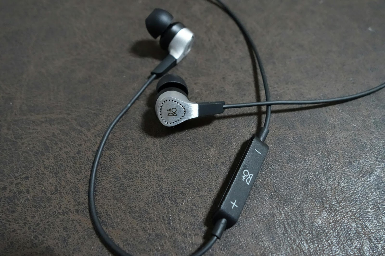 B O Play By Bang And Olufsen Beoplay H3 Headphones The Best Ampamp Lightweight Earphone Silver In Ear Co