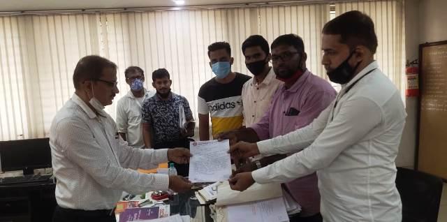 demand on action against Ola, Uber | App ಆಧಾರಿತ ಓಲಾ ಊಬೆರ್ ವಿರುದ್ಧ ಕ್ರಮಕ್ಕೆ ಟ್ಯಾಕ್ಸಿ ಚಾಲಕರ ಆಗ್ರಹ