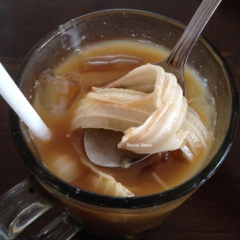 maniak-makan-baso-seuseupan-bogor-es-kelapa