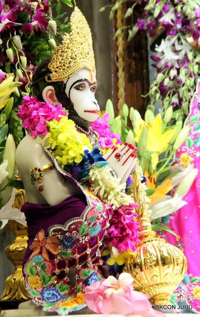 ISKCON Juhu Mangal Deity Darshan on 25th Aug16 (14)