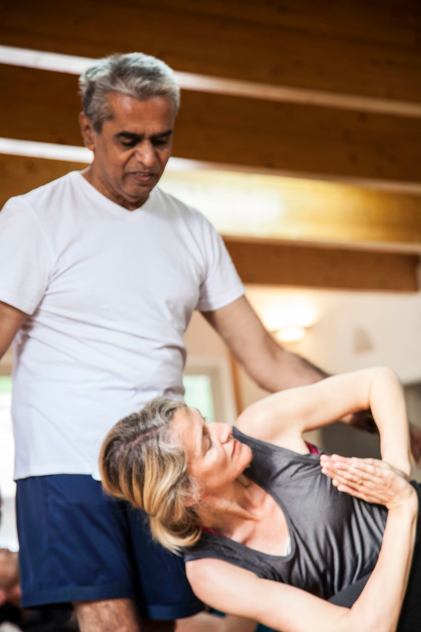A great experience practising with Masterji: Viswanath Mysore Sivaram in www.ashtangayogaprovence.com...