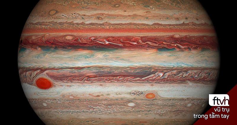 Sao Mộc và sự thu hẹp của Vết Đỏ Lớn chụp bởi Kính Hubble