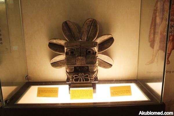 artifak masyarakat mayan