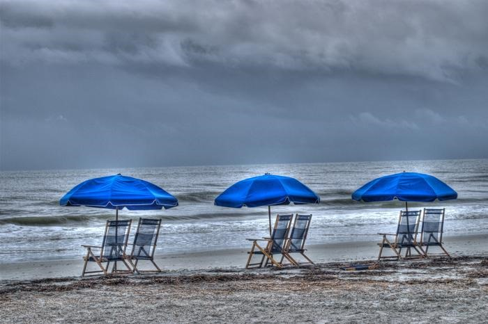 [rain+at+the+beach+with+chairs%5B3%5D]