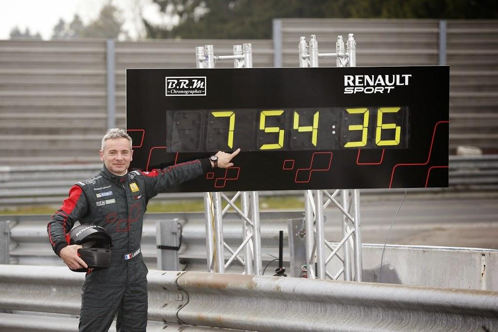 Megane Record Nurburgring Lap in Renault Megane RS 275 Trophy-R 31-1