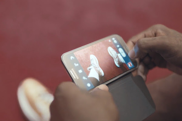 The Next Big Thing is Here LeBron in Championship Gold X8217s in Samsung Galaxy Note II Ad