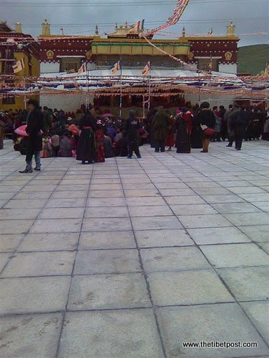 Massive religious gathering and enthronement of Dalai Lama's portrait in Lithang, Tibet. - l13.JPG