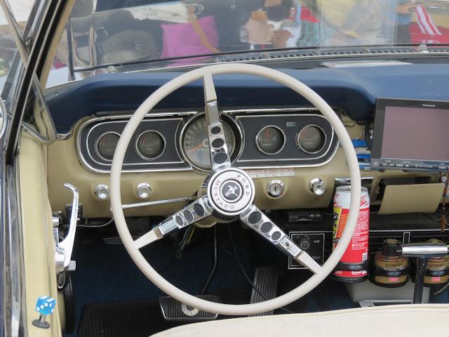 フォードマスタングコンバーチブルのハンドル