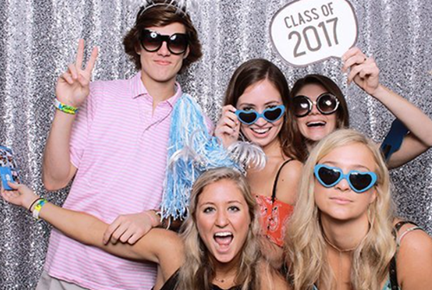 5 Creative Tips for an Exclusive Photo Booth Rental