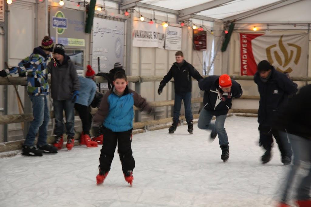 Sinterklaas bij de schaatsbaan - IMG_0388.JPG