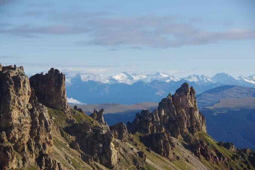 Plein de sommets enneigés (l'un d'eux est peut-être le Großglockner).