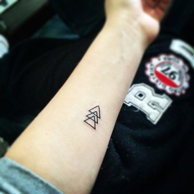 Beautiful Pyramid Tattoo Design