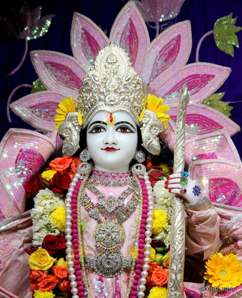 ISKCON Juhu Sringar Deity Darshan 5 Jan 2017 (20)