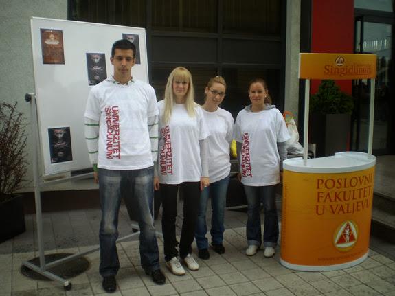 14.05.2010 - Studentska humanitarna akcija prikupljanja stare odece - p5120011_resize.jpg