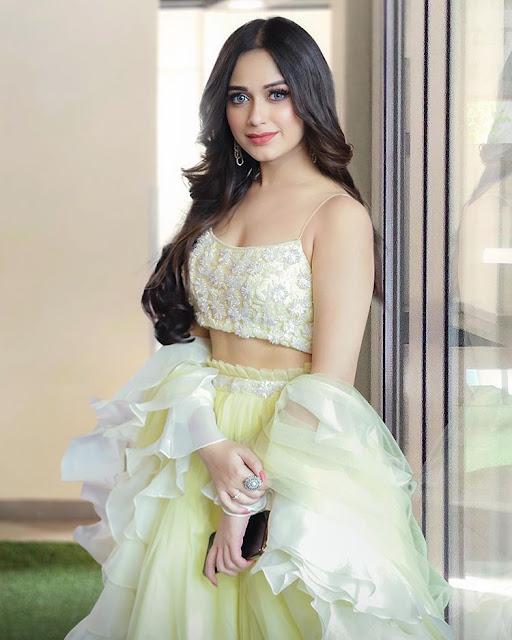 Have you seen Jannat Zubair's latest hot pics,jannat zubair hot pics,jannat zubair sexy pics,janna zubair tik tok star,latest pics of jannat zubair