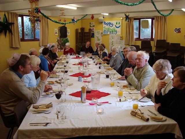 Pensioners Lunch - 12-12-2010 - WPL201006.jpg