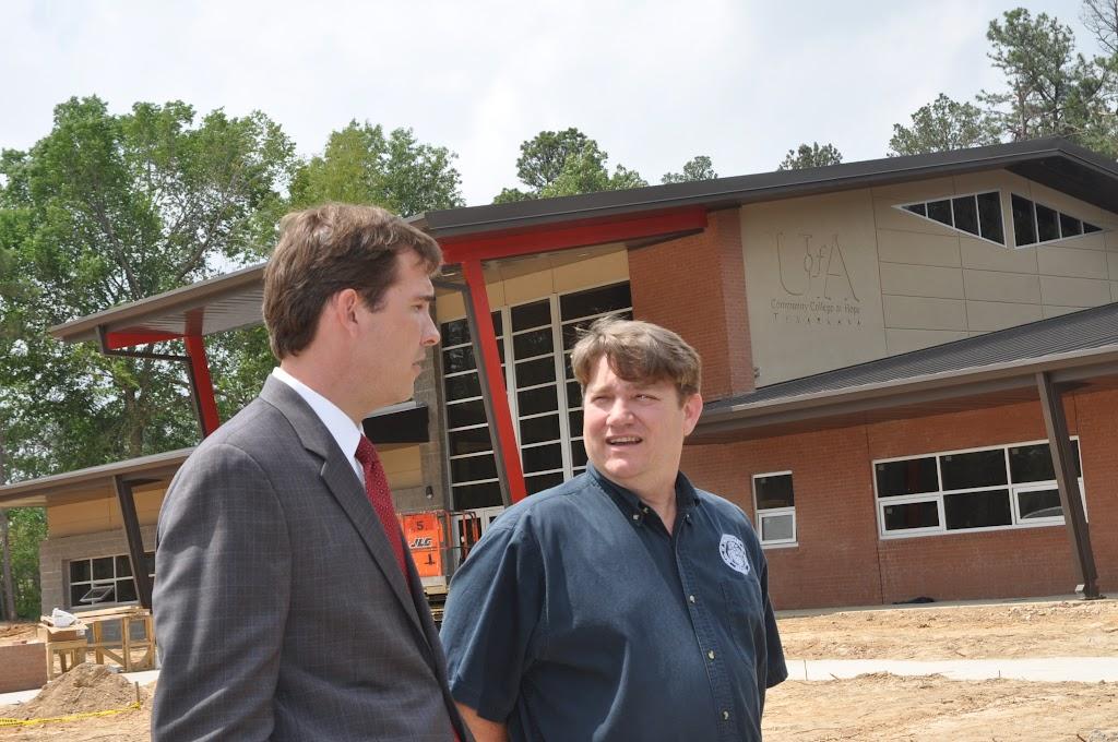 Arkansas Secretary of State Mark Martin Visits UACCH-Texarkana - DSC_0372.JPG