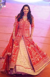 Sania Mirza-Sister-Wedding-Outfits-Mystylespots7