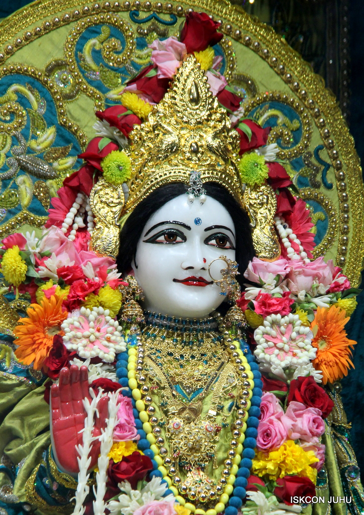 ISKCON Juhu Sringar Deity Darshan on 25th Oct 2016 (36)