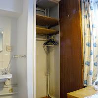 Room 01-closet