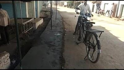 ग्राम सिरसौद से खोड जाने वाला मार्ग सड़क निर्माण में चल रहा है घटिया कार्य
