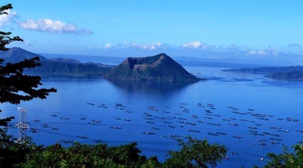 Taal-Volcano-Philippines-entre-os-vulcoes-ativos-mais-perigosos-do-mundo