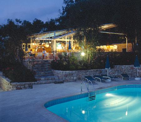 Residence garda lago di garda italia kite wind camp - Residence lago di garda con piscina ...