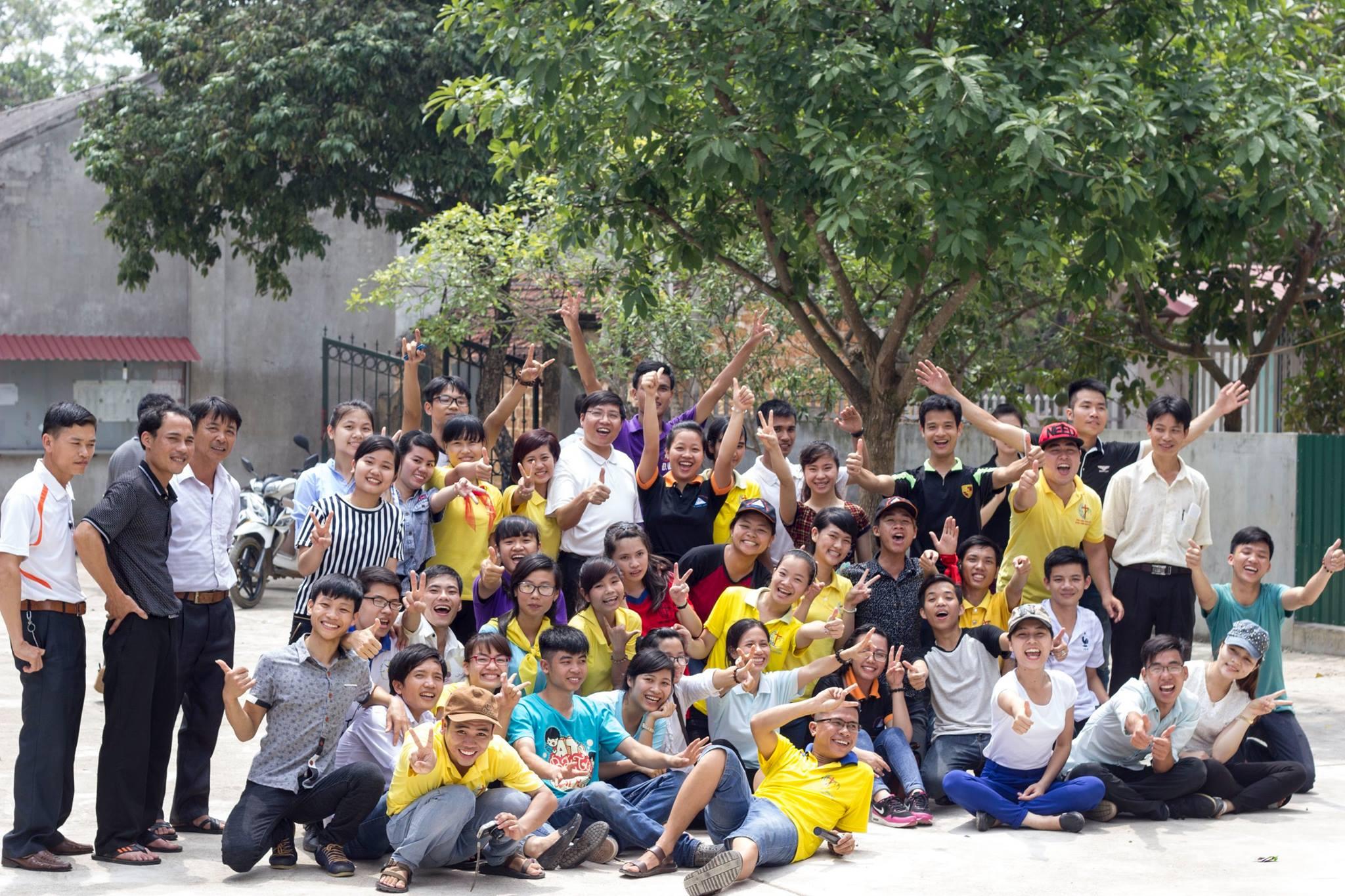 Hội chợ mừng ngày quốc tế thiếu nhi tại nhà thờ Phú Hữu