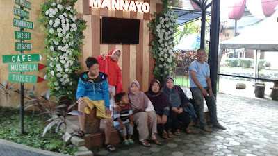 Mannayo Cafe And Resto