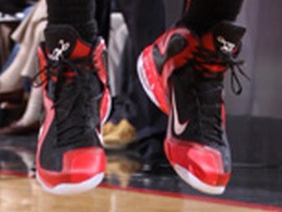 timeline 120301 shoe lebron9 awayclear 2011 12 Timeline