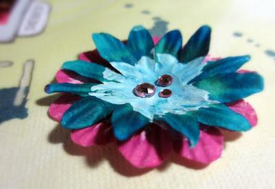 Gessotettuja kukkia timangeilla (eilisen gessokurssin satoa nämäkin)