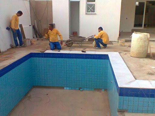 Julianacros impermeabiliza o de piscinas d for Piscina residencial
