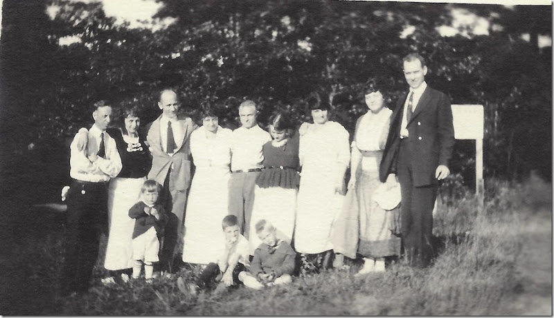 Lake Orion_Gould-Pickard-Janes-Webers-Schuffler families group pic-2