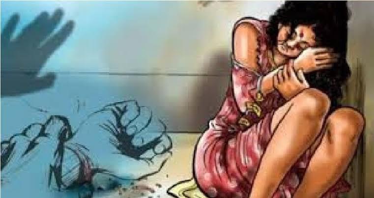 विवाहिता ने चौकीदार पर लगाया दुष्कर्म का आरोप, हत्या करने का दिया धमकी