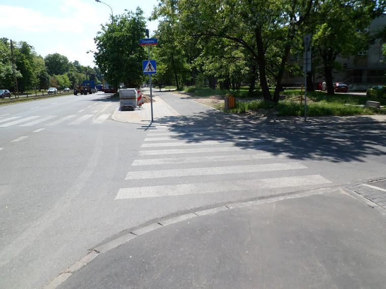 Al. Politechniki/Cieszyńska w kierunku Pabianickiej.