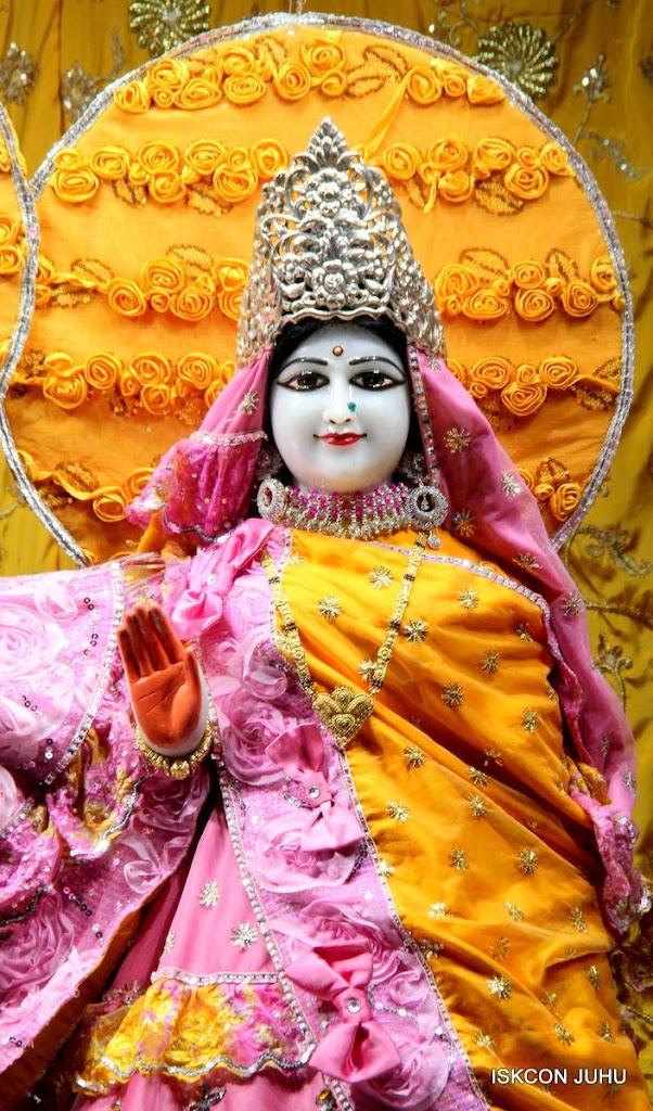 ISKCON Juhu Mangal Deity Darshan 29 Jan 2016 (18)