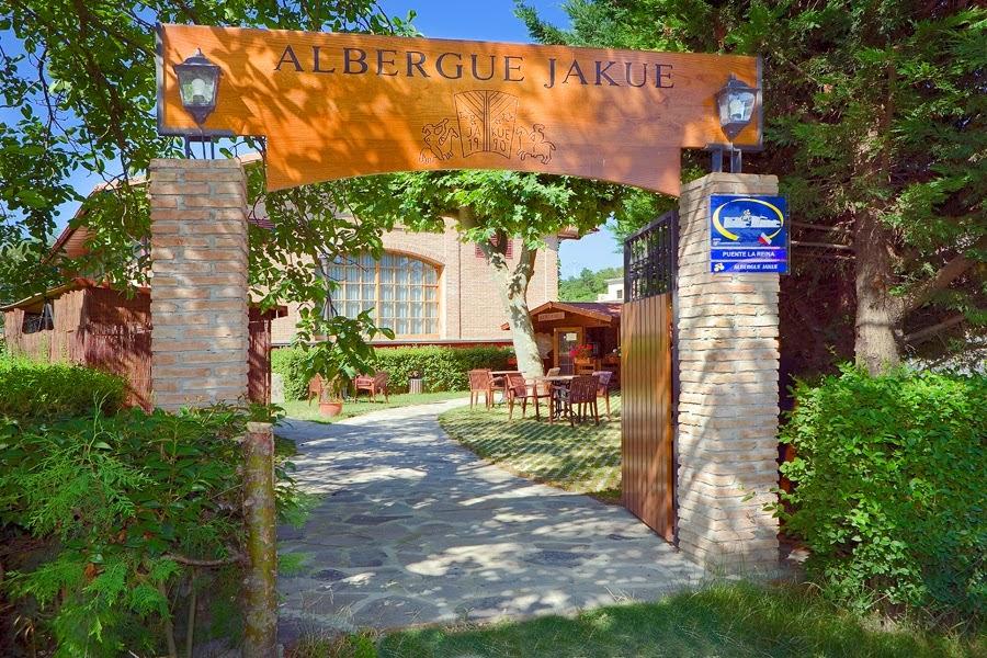 Albergue de peregrinos del Hotel Jakue, Puente la Reina, Camino de Santiago
