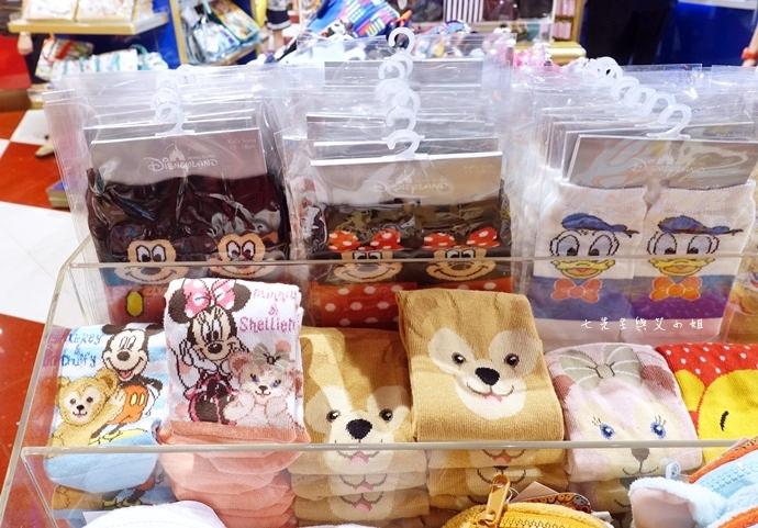 41 香港機場 迪士尼奇妙店 買達菲熊免進迪士尼樂園