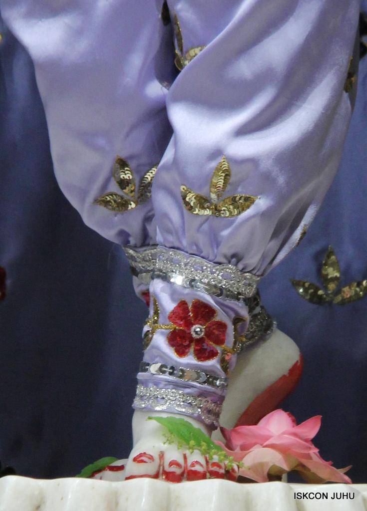 ISKCON Juhu Mangal Deity Darshan on 29th Sep 2016 (30)