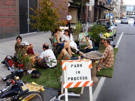 Parking day: 27 plazas de aparcamiento son jardines y huertos hoy viernes. Imagen fuente El País