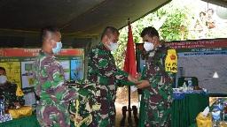 Dansatgas, Memberikan  Kenang-kenangan   Tim Masev Mayjen TNI Eka Wiharsa