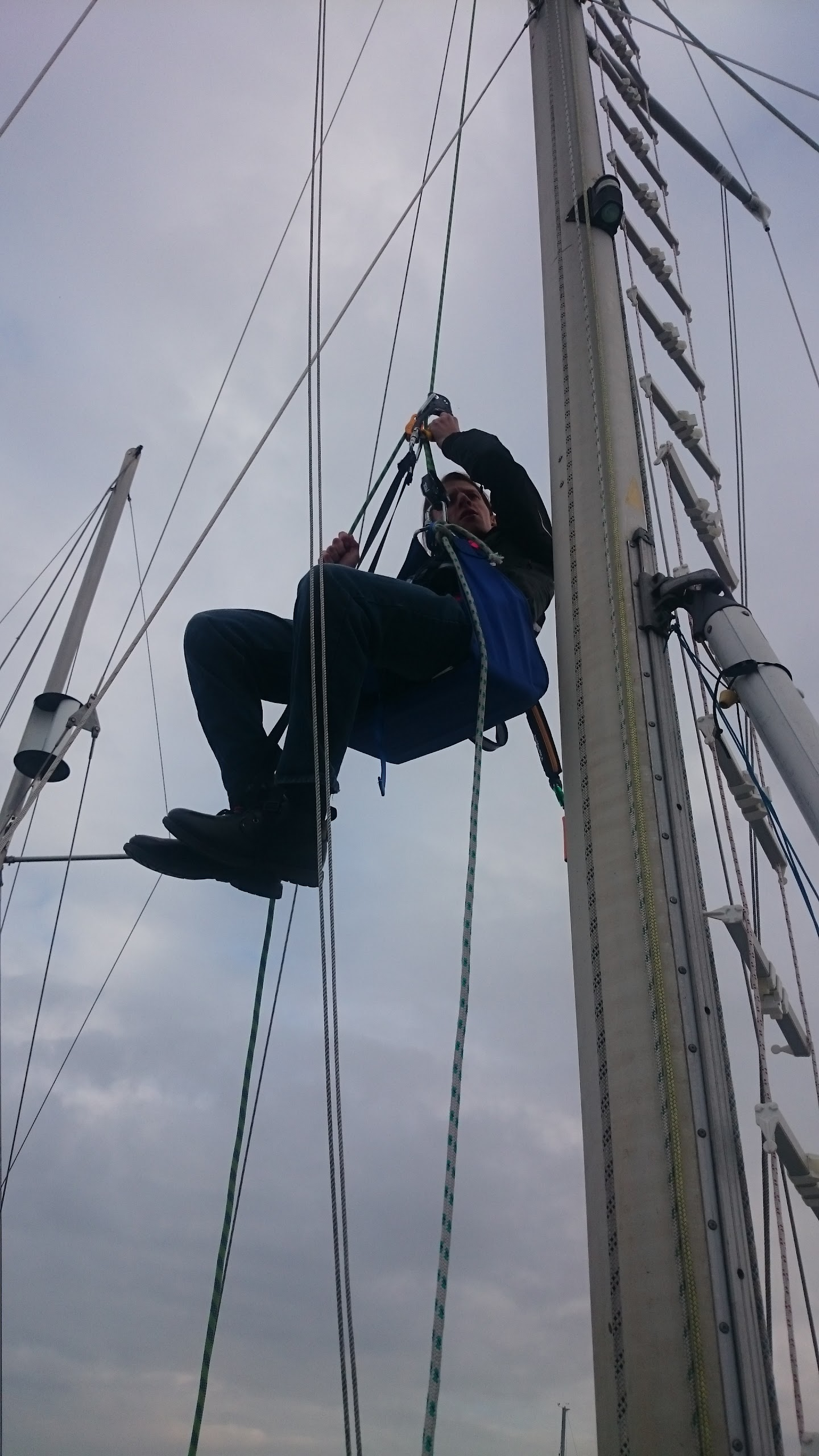 bosuns climbing for bosun chair sailing s sail mast how sailboat blog your captain to curran