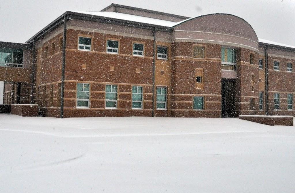 UACCH Snow Day 2011 - DSC_0021.JPG