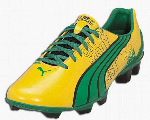 a57bfb06b05 Top 10 Ugliest Football Boots Designs worn by Players