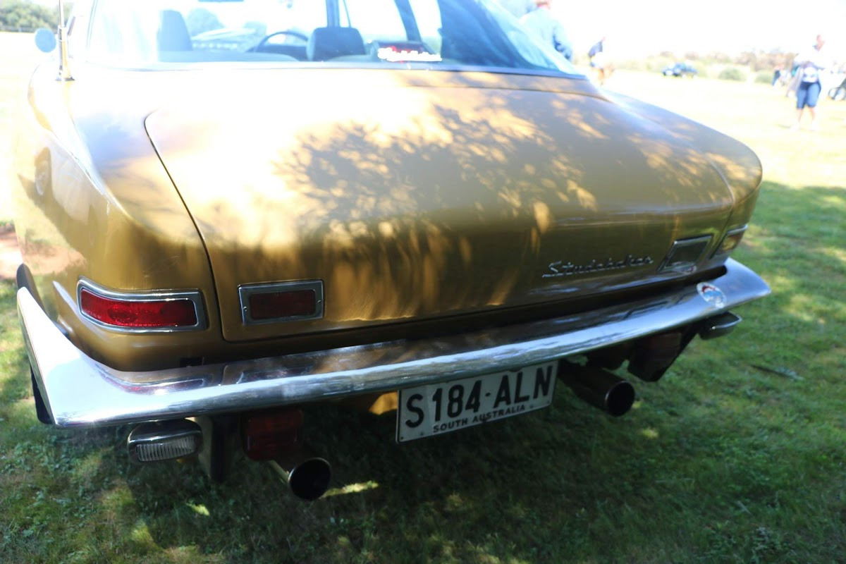 Studebaker Avanti (04).jpg