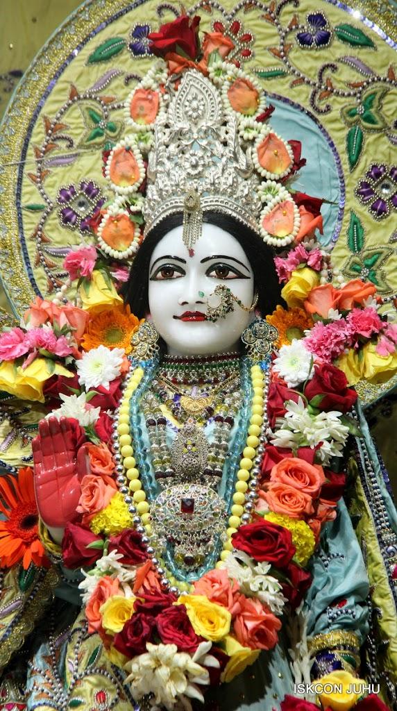 ISKCON Juhu Sringar Deity Darshan on 3rd Aug 2016 (24)