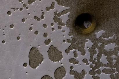 buraco na superfície de Marte