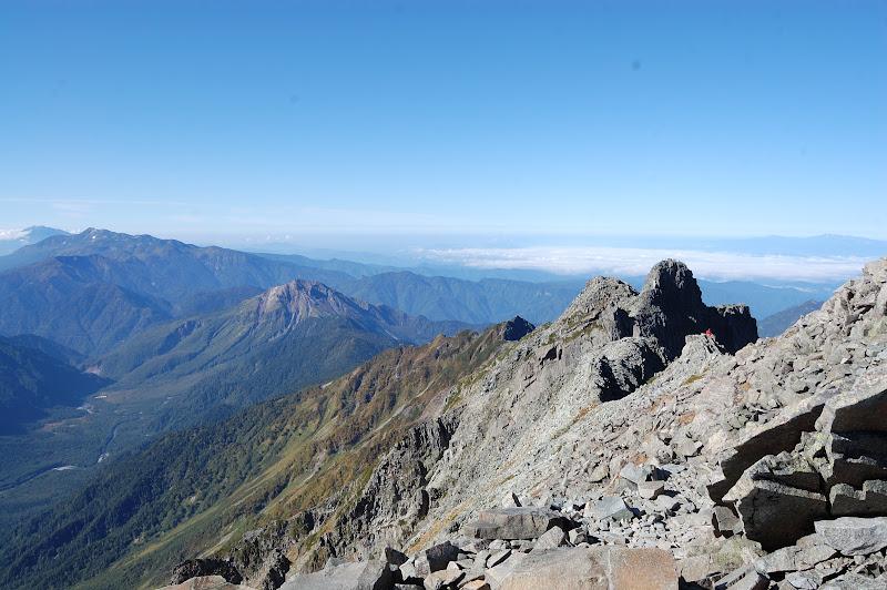 その右手奥かラ御嶽山、乗鞍岳、手前焼岳、右手はジャンダルムです。
