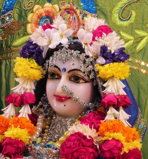 ISKCON Vallabh vidhyanagar Deity Darshan 10 jan 2017 (6)