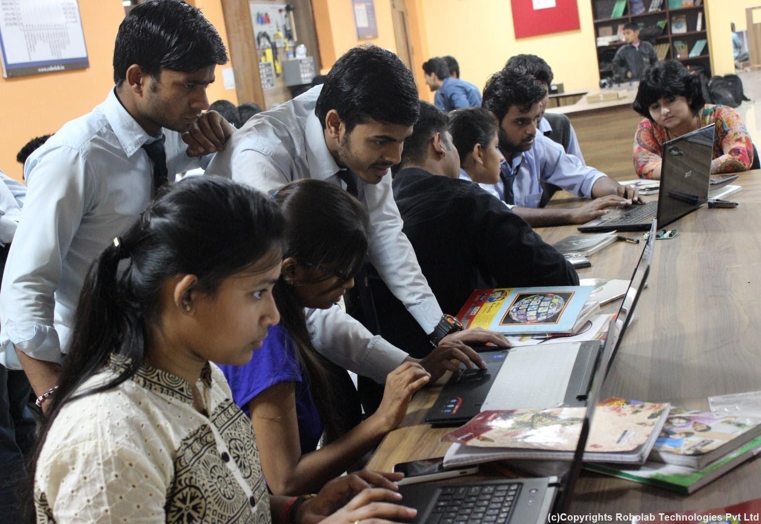 SunderDeep Group of Institutions, Ghaziabad Robolab (26).jpg